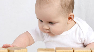 成年人床上电影_婴儿实际上是快速而又积极的学习者 - 心理学空间